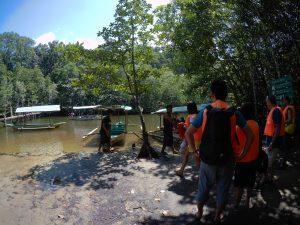 Exploring Sitio Sabang, Palawan: Mangrove Paddle Boat Tour